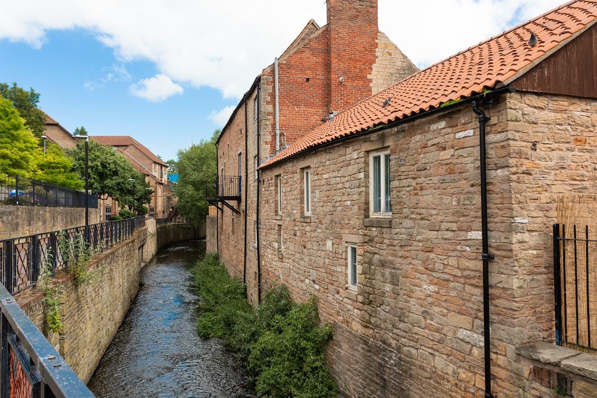 Rock Court, Mansfield, External, Building, River